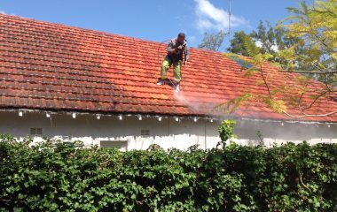 clay roof high pressure roof washing